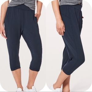 Lululemon Rejuvenate Blue Jogger Pants Crop 6 nulu